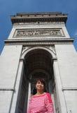 Retrato en el arco de Triumph fotografía de archivo
