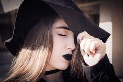 Retrato en perfil de un adolescente hermoso Fotos de archivo