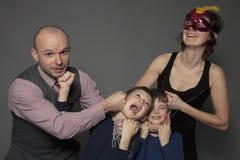 Retrato engraçado da família Fotos de Stock Royalty Free
