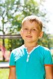 Retrato exterior do rapaz pequeno imagens de stock royalty free
