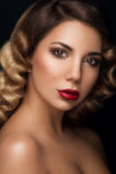Retrato facial surpreendente da menina da beleza Imagens de Stock Royalty Free