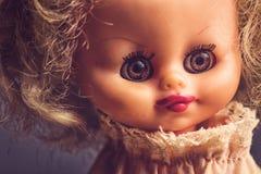 Retrato fantasmagórico de la muñeca del vintage Foto de archivo