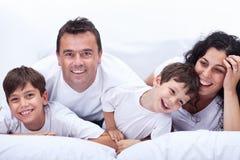 Retrato feliz da família Fotografia de Stock Royalty Free