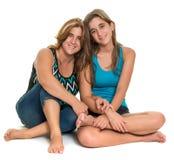Retrato feliz de una madre feliz y de su hija adolescente Fotos de archivo libres de regalías
