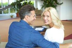 Retrato feliz dos pares Foto de Stock Royalty Free