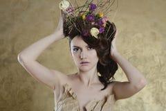 Retrato femenino de la señora linda dentro Fotos de archivo