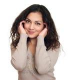 Retrato hermoso de la muchacha en el fondo blanco Foto de archivo libre de regalías