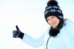 Retrato hermoso de la muchacha en invierno con nieve Imágenes de archivo libres de regalías