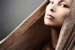 Retrato hermoso de la mujer Foto de archivo libre de regalías
