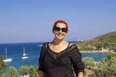 Retrato hermoso de la mujer en Datça, Turquía imagen de archivo