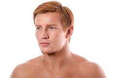 Retrato hermoso del hombre joven en el fondo blanco Fotos de archivo libres de regalías