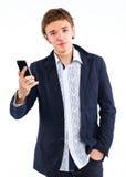 Retrato hermoso del hombre que habla en el teléfono celular Fotografía de archivo