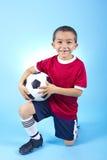 Retrato hispánico joven del jugador de fútbol fotografía de archivo libre de regalías
