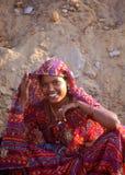 Retrato indiano bonito da jovem mulher Fotos de Stock Royalty Free