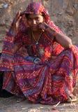 Retrato indiano bonito da jovem mulher Imagens de Stock Royalty Free
