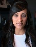 Retrato indiano novo bonito da mulher imagens de stock