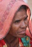 Retrato indio mayor de la mujer Imágenes de archivo libres de regalías