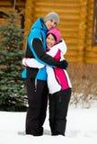 Retrato integral de abrazar pares Fotografía de archivo