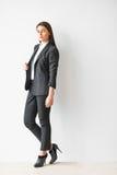 Retrato integral de la mujer de negocios hermosa Foto de archivo libre de regalías