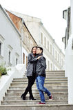 Retrato integral de pares jovenes en amor Imagen de archivo libre de regalías