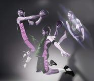 Retrato integral de un jugador de básquet con la bola Foto de archivo