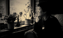 Retrato interior asiático del ` s de las mujeres Imágenes de archivo libres de regalías