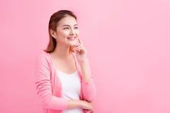 Retrato joven asiático de la belleza Mujer de pensamiento hermosa que toca h Fotos de archivo libres de regalías
