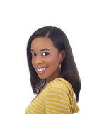 Retrato joven de la mujer negra en tapa amarilla Fotos de archivo