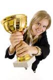 Retrato largo do ângulo de uma mulher de negócios atrativa Foto de Stock Royalty Free