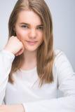 Retrato lindo de pequeño adolescente joven Fotografía de archivo