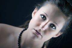Retrato llamativo de un adolescente bonito Foto de archivo libre de regalías