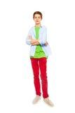 Retrato lleno de la altura del muchacho hermoso en camisa Imagenes de archivo