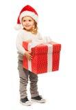 Retrato lleno de la niña con el presente grande Fotografía de archivo libre de regalías