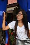 Retrato longo do cabelo da mulher tailandesa fotos de stock