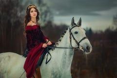 Retrato medieval de la reina Imagen de archivo
