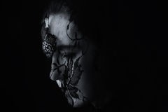 Retrato medio-oriental de la mujer que parece triste con artis negros del hijab Foto de archivo libre de regalías