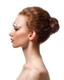Retrato modelo de la belleza con las cejas creativas Imágenes de archivo libres de regalías