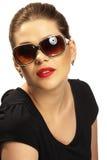 Retrato mujeril con las gafas de sol Fotografía de archivo libre de regalías