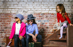 retrato Multi-étnico del grupo de los niños Foto de archivo libre de regalías