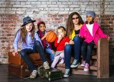retrato Multi-étnico del grupo de los niños Fotografía de archivo libre de regalías