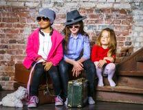 retrato Multi-étnico del grupo de los niños Fotografía de archivo