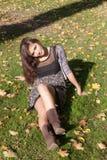 Retrato na grama Fotografia de Stock