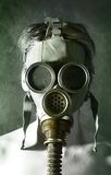 Retrato na máscara de gás imagens de stock