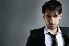 Retrato na moda do penteado do homem novo do terno da forma Fotos de Stock