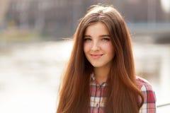 Retrato natural de la cara de una mujer joven hermosa Foto de archivo libre de regalías