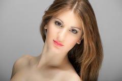 Retrato novo bonito da mulher da forma Imagens de Stock