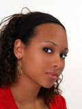 Retrato novo da mulher preta na camisola vermelha Imagens de Stock