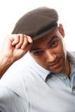 Retrato ocasional del hombre con el sombrero fotografía de archivo libre de regalías