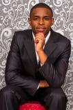 Retrato oficial do homem novo preto Fotografia de Stock Royalty Free