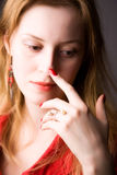 Retrato pensativo novo da mulher Foto de Stock Royalty Free